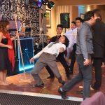 Students-limbo-dancing